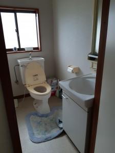 二階トイレ(前)